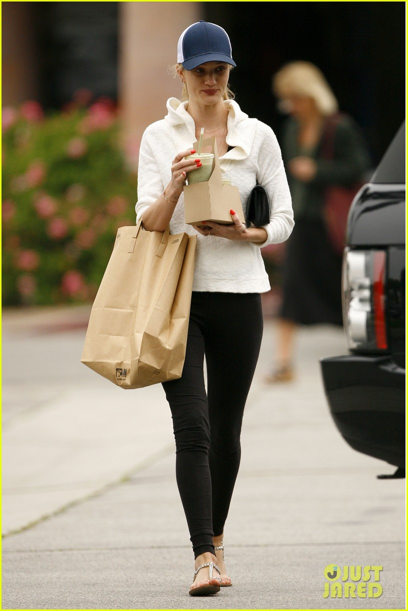 rosie huntington whiteley healthy juice run 05