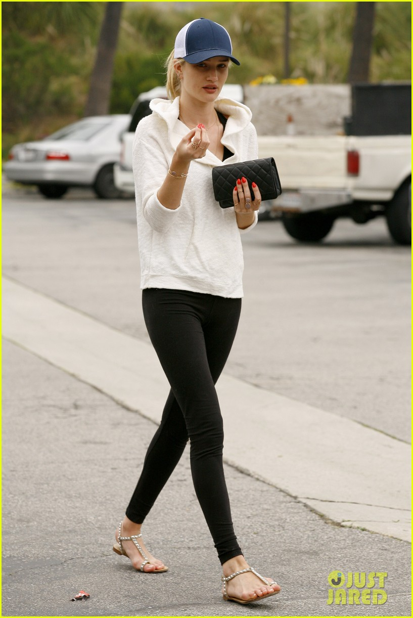 rosie huntington whiteley healthy juice run 142832432