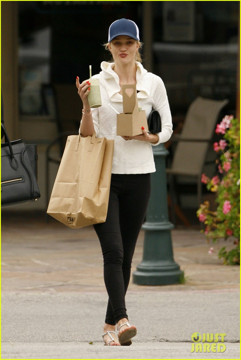 rosie huntington whiteley healthy juice run 222832440