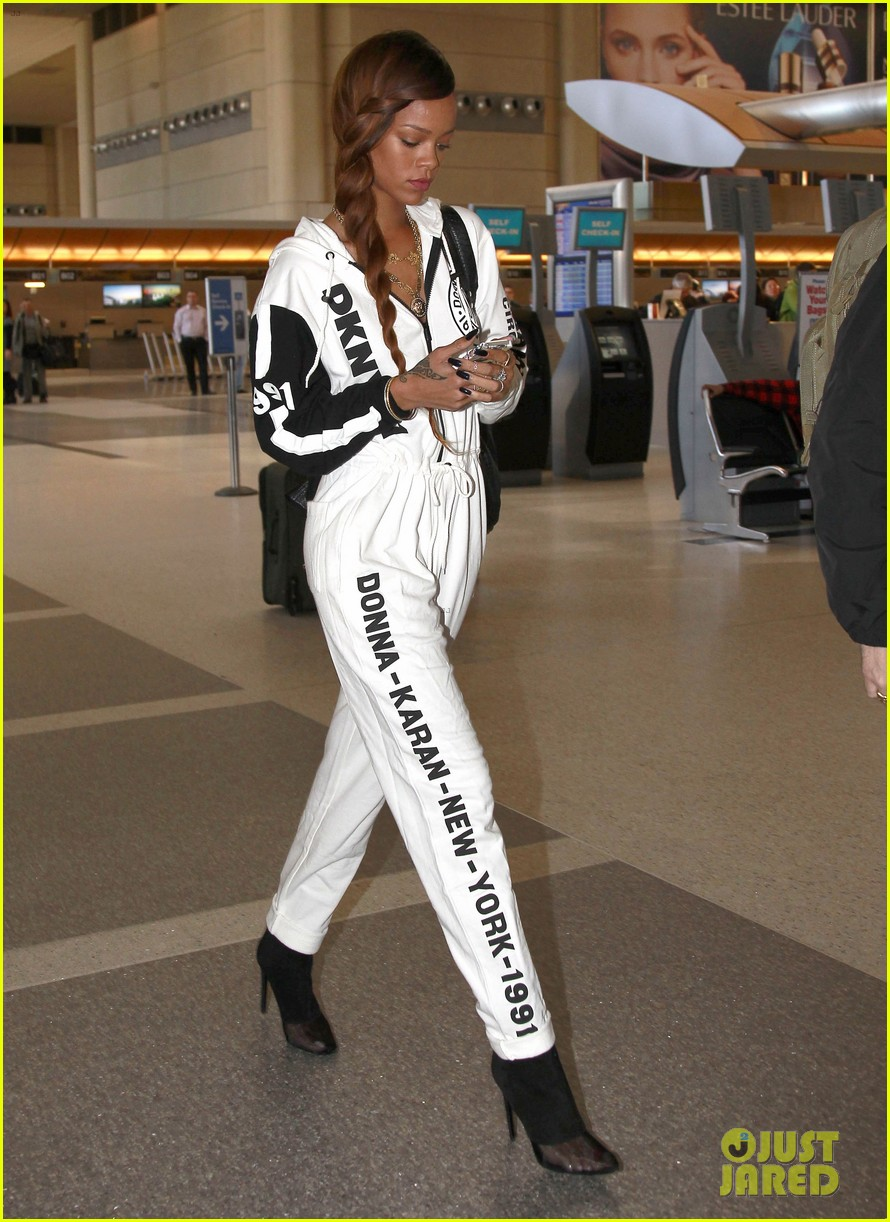 rihanna all white lax departure 092824534
