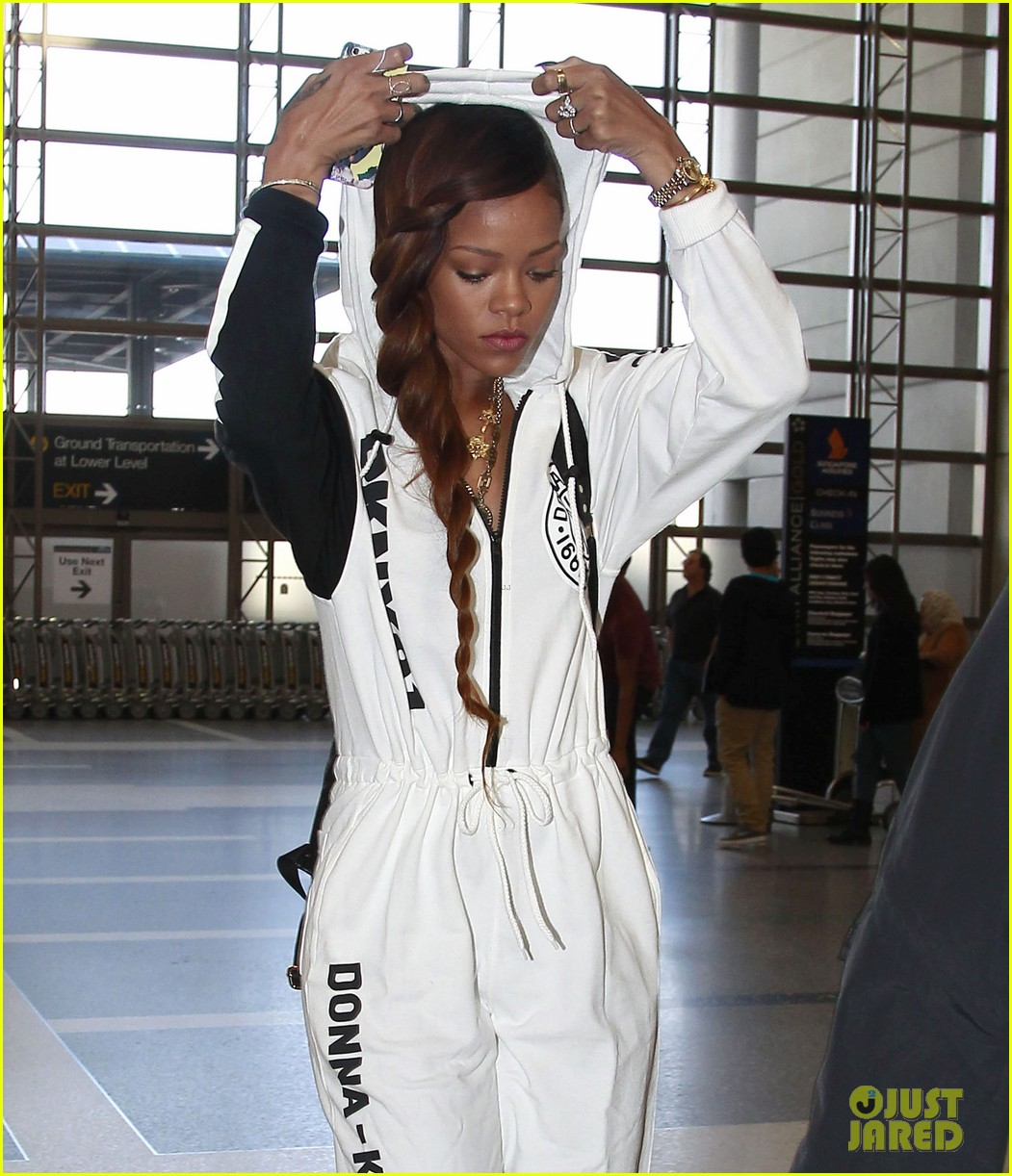 rihanna all white lax departure 122824537