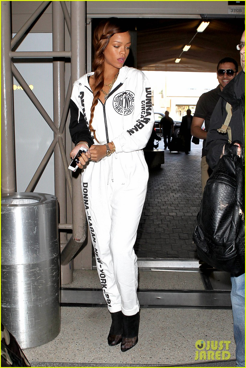 rihanna all white lax departure 282824553