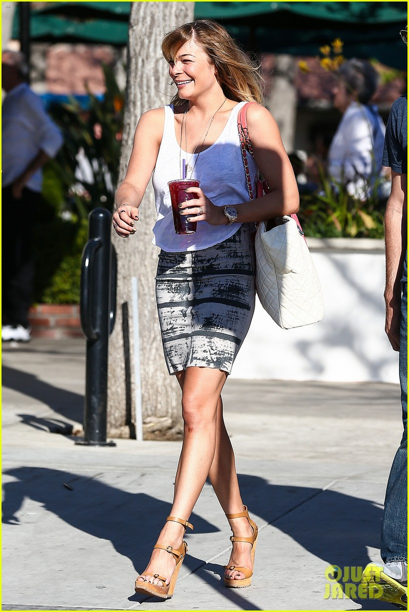 leann rimes malibu country mart retail therapy 05