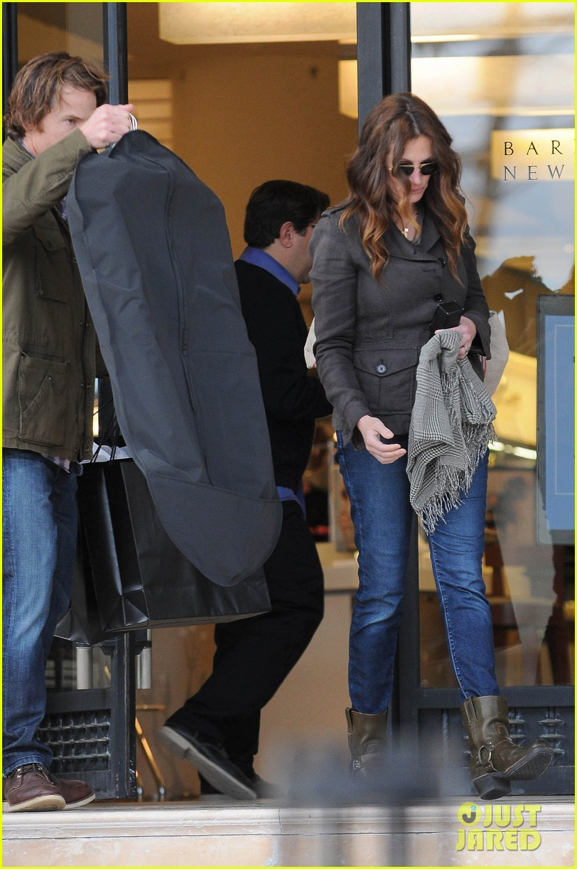 julia roberts barneys new york shopper 032827295