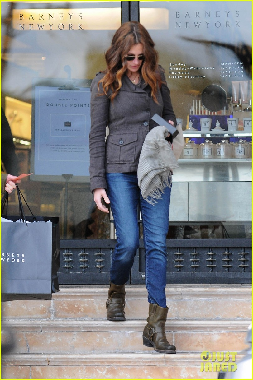 julia roberts barneys new york shopper 06