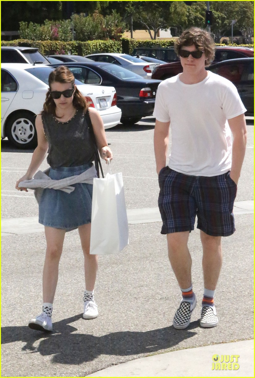 emma roberts evan peters samys camera couple 182840548