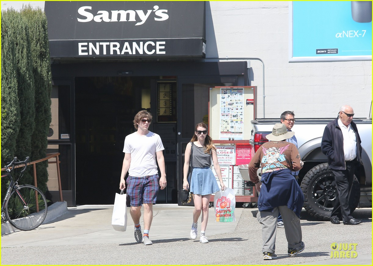 emma roberts evan peters samys camera couple 202840550