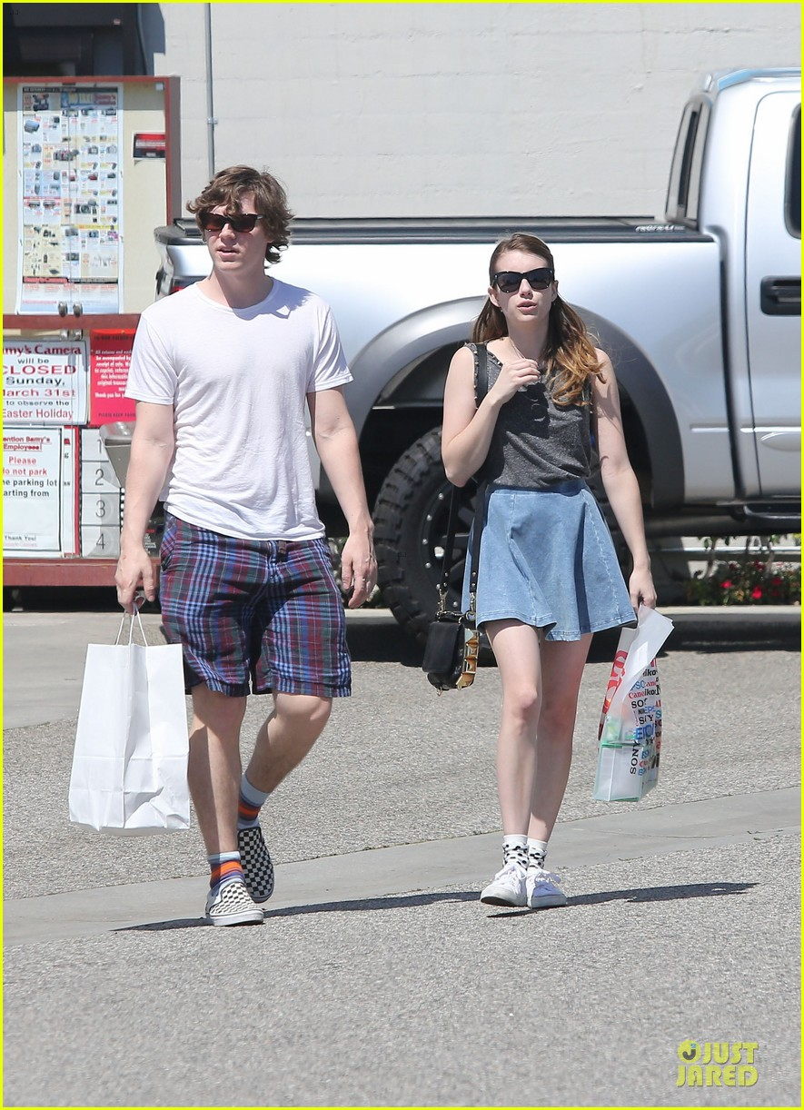 emma roberts evan peters samys camera couple 212840551