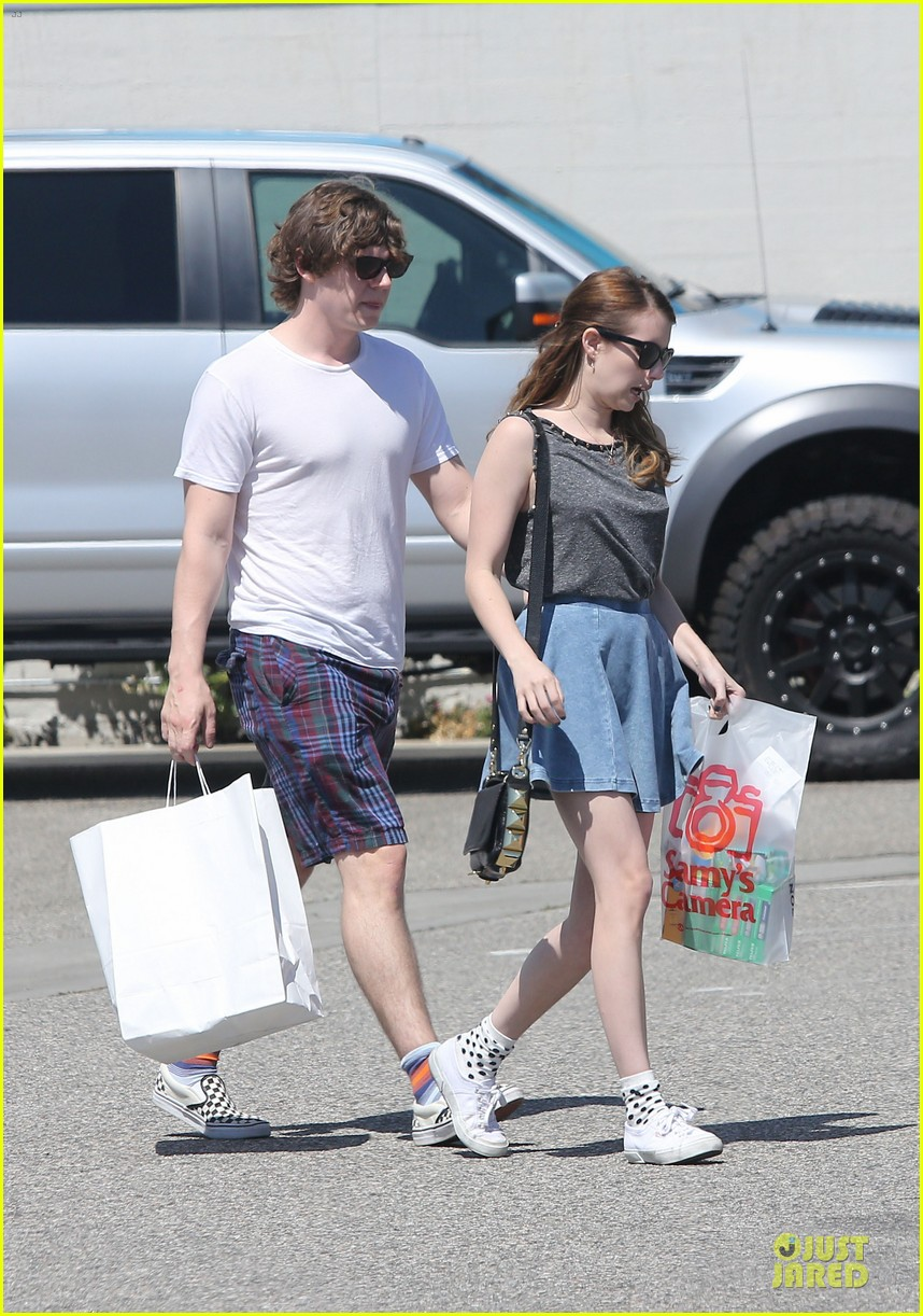 emma roberts evan peters samys camera couple 222840552