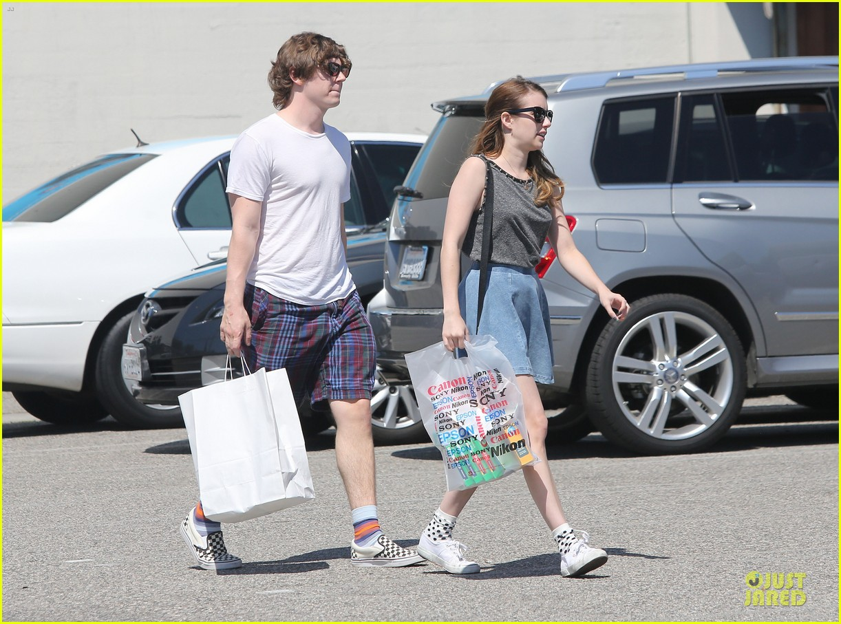 emma roberts evan peters samys camera couple 232840553