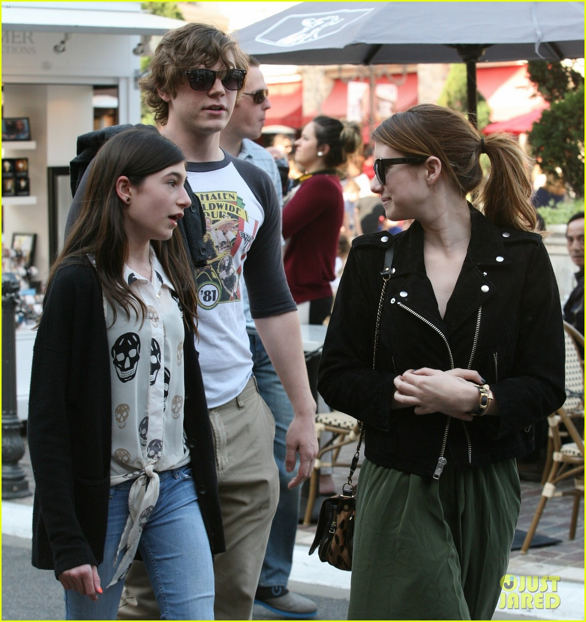 emma roberts evan peters the grove outing 012837515