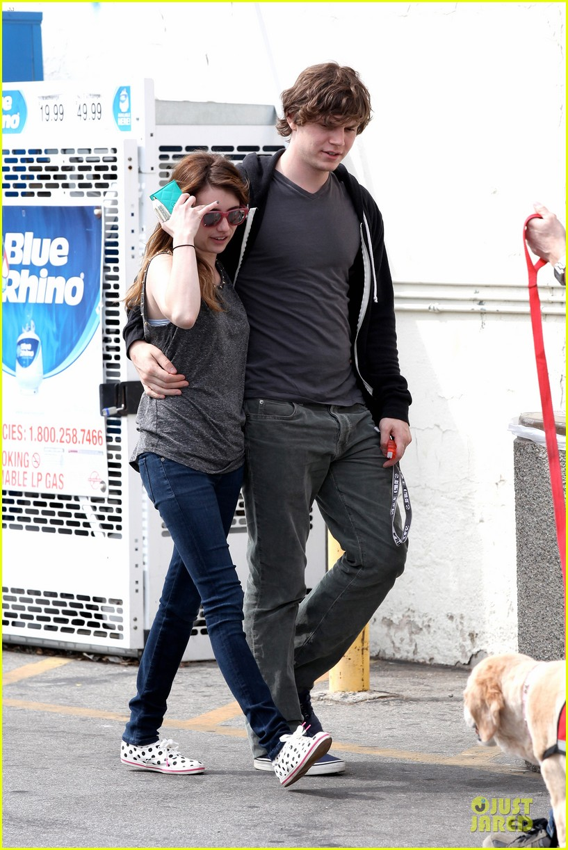 emma roberts evan peters cvs pharmacy stop 13