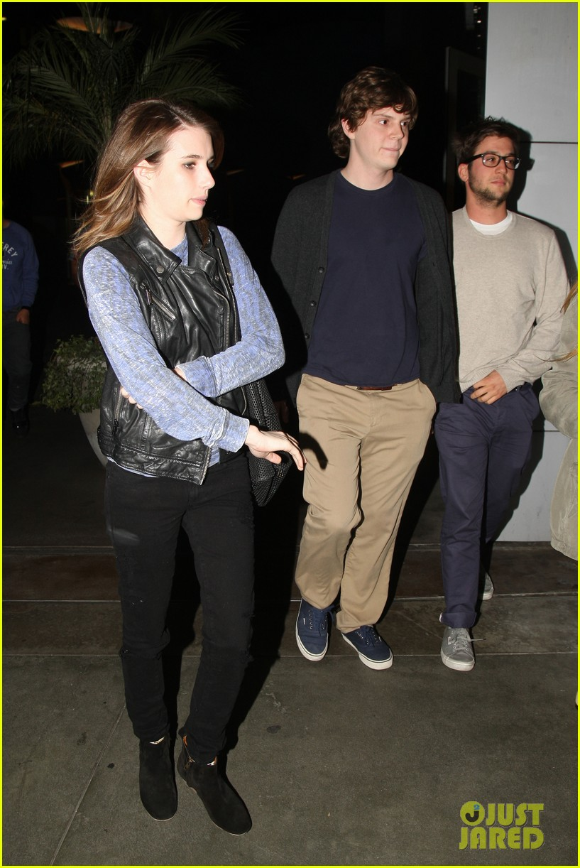 emma roberts evan peters movie date night 05