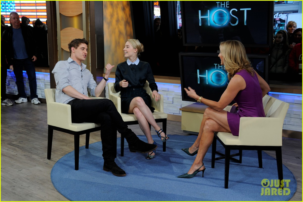 saoirse ronan max irons the host screening in nyc 07