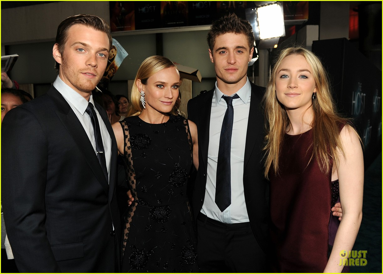 saoirse ronan max irons the host hollywood premiere 022834099