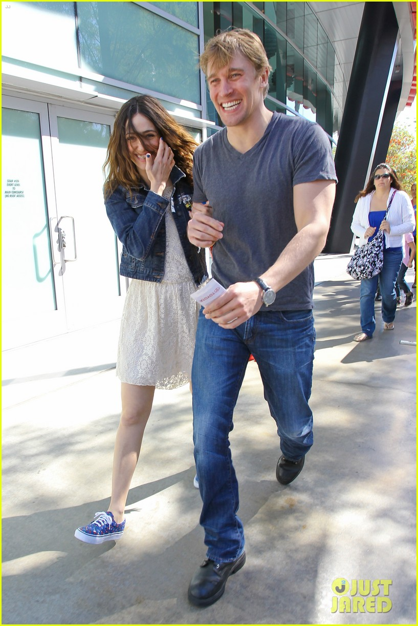 emmy rossum tyler jacob moore lakers game kiss 052828816