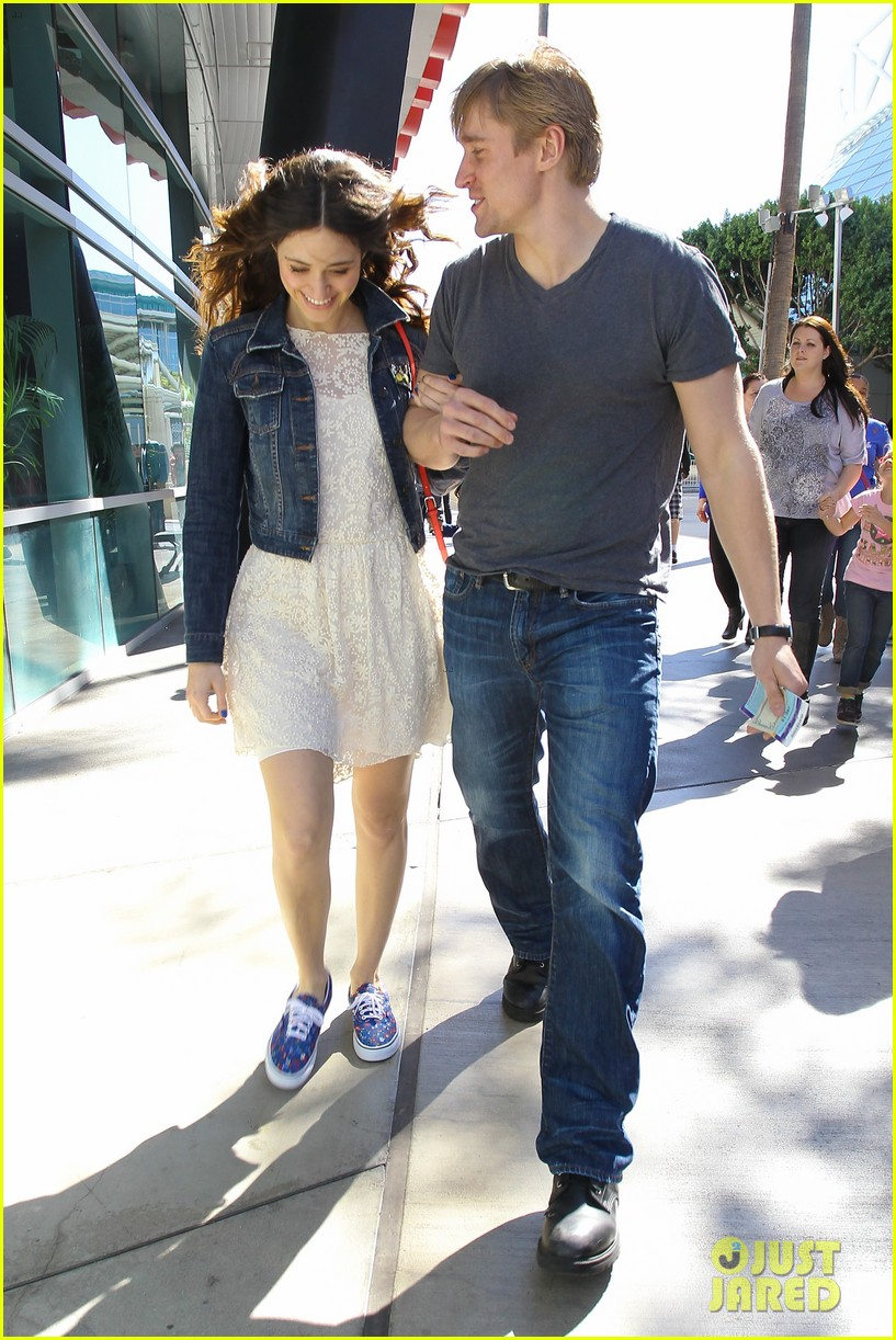 emmy rossum tyler jacob moore lakers game kiss 062828817