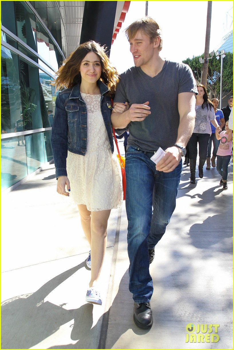 emmy rossum tyler jacob moore lakers game kiss 072828818