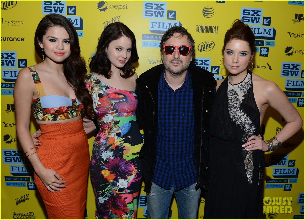 selena gomez ashley benson spring breakers sxsw premiere 24