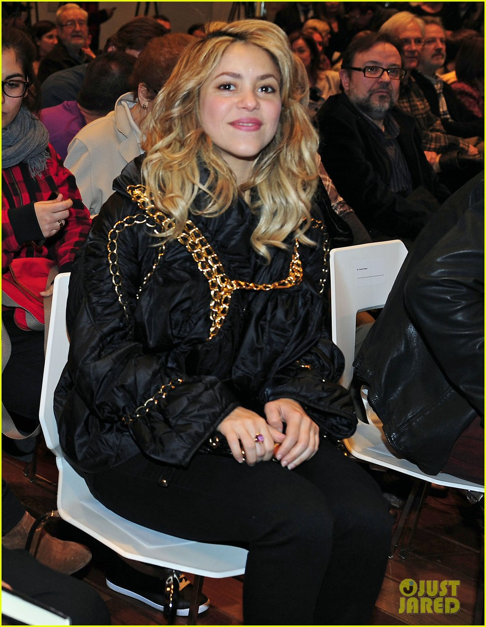 shakira gerard pique fantasme book launch 06