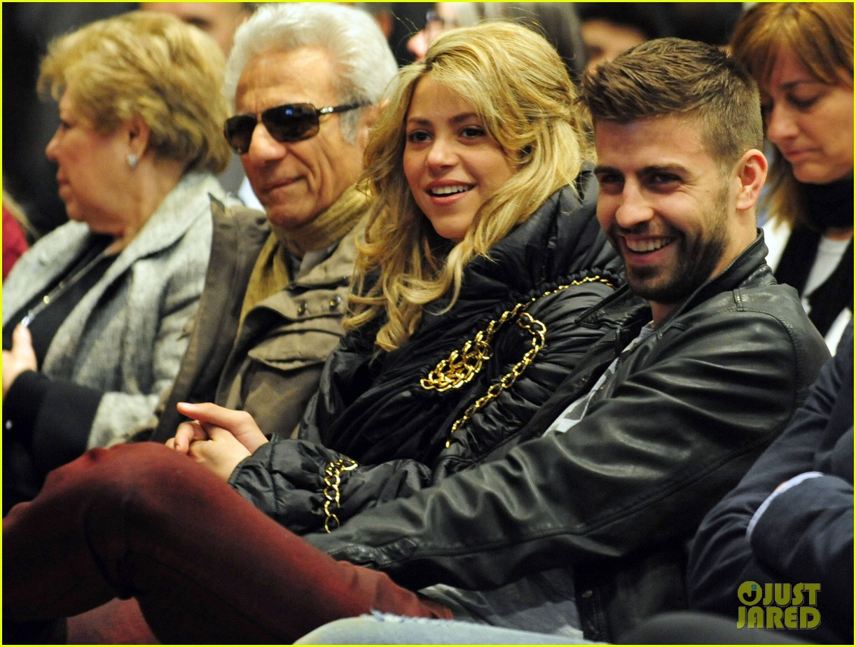 shakira gerard pique fantasme book launch 102830982