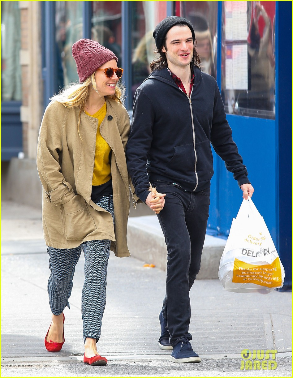 sienna miller tom sturridge hold hands in nyc 032840295