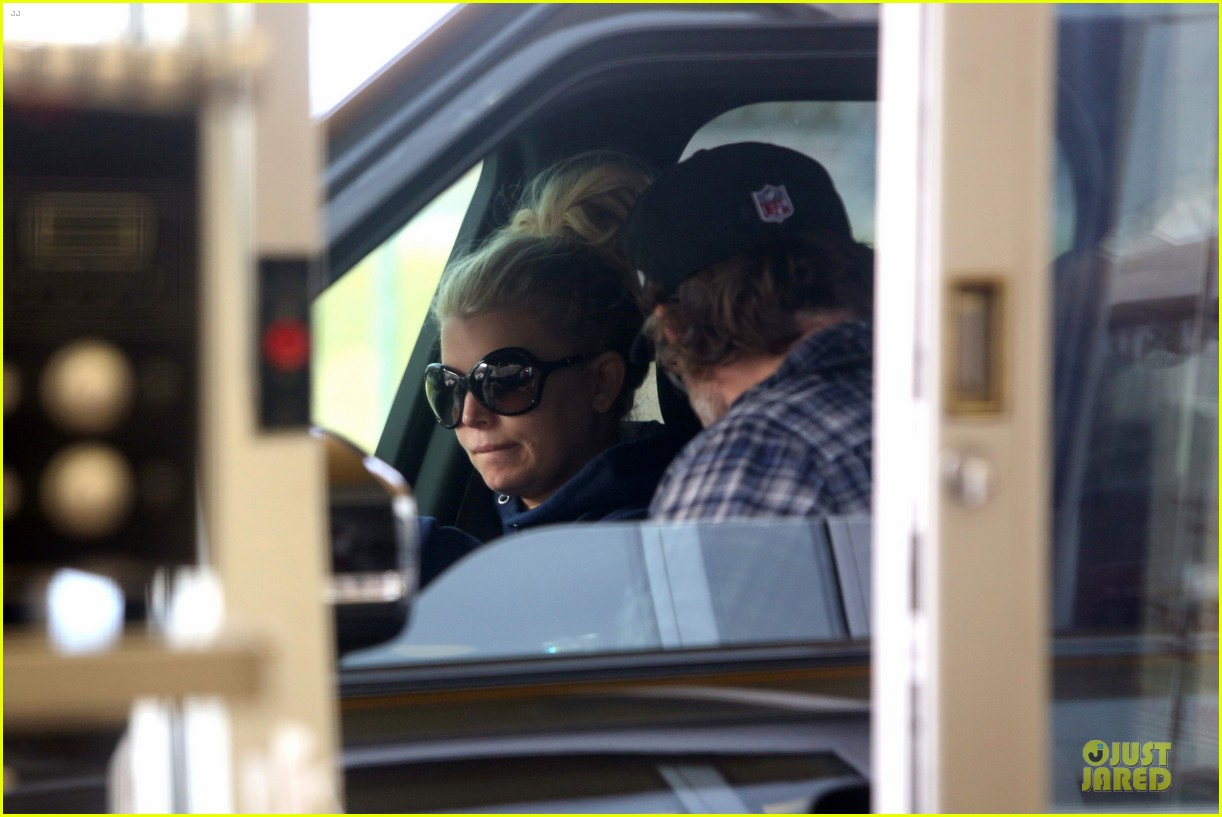 jessica simpson fewer cravings in second pregnancy 132825825