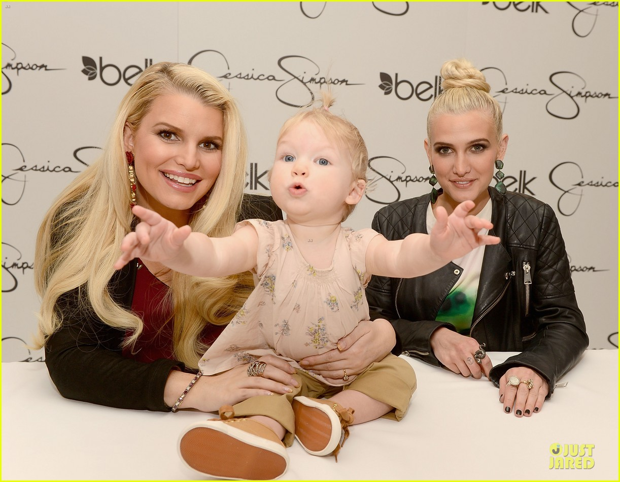 jessica ashlee simpson pelk southpark visit with maxwell 042836336