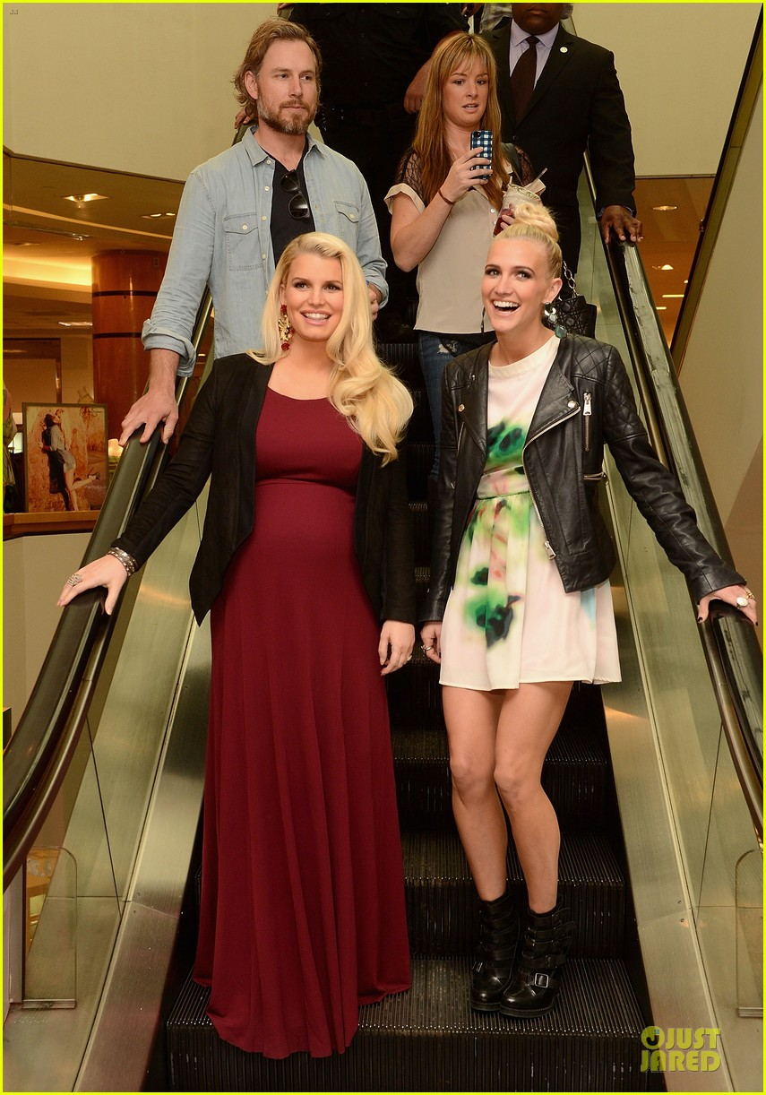 586d28557700 Jessica & Ashlee Simpson: Belk Southpark Visit with Maxwell!: Photo ...