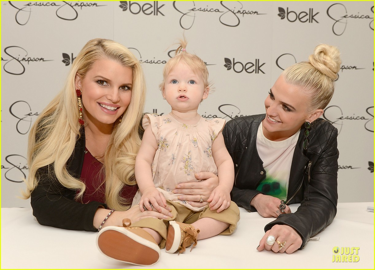 jessica ashlee simpson pelk southpark visit with maxwell 152836347