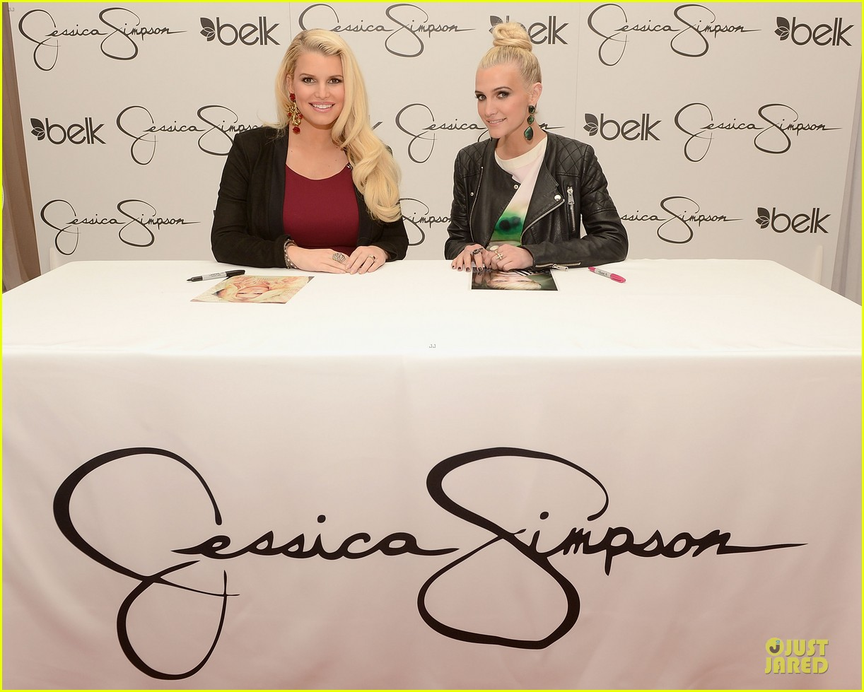 jessica ashlee simpson pelk southpark visit with maxwell 162836348
