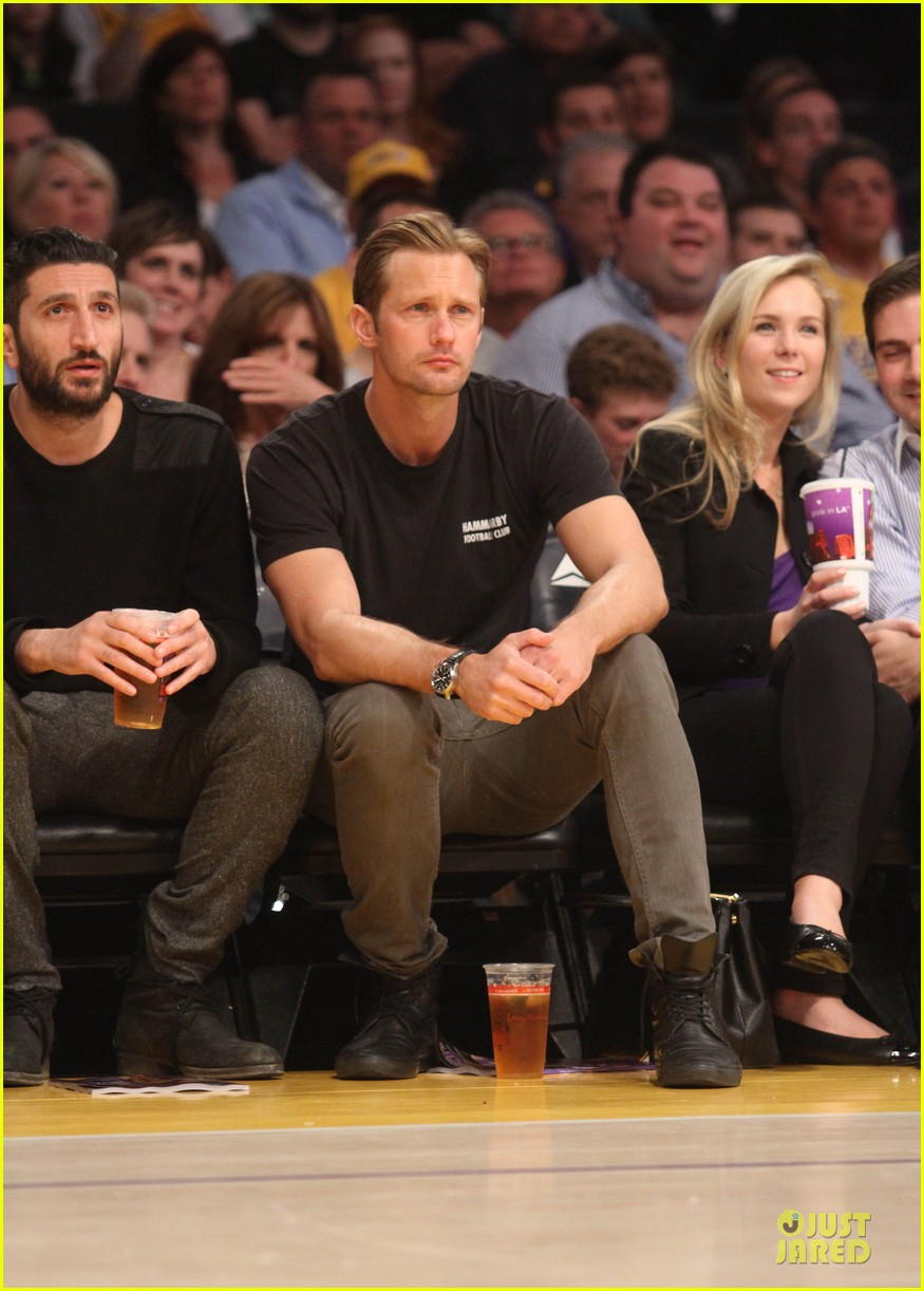 alexander skarsgard lakers game spectator 052836120