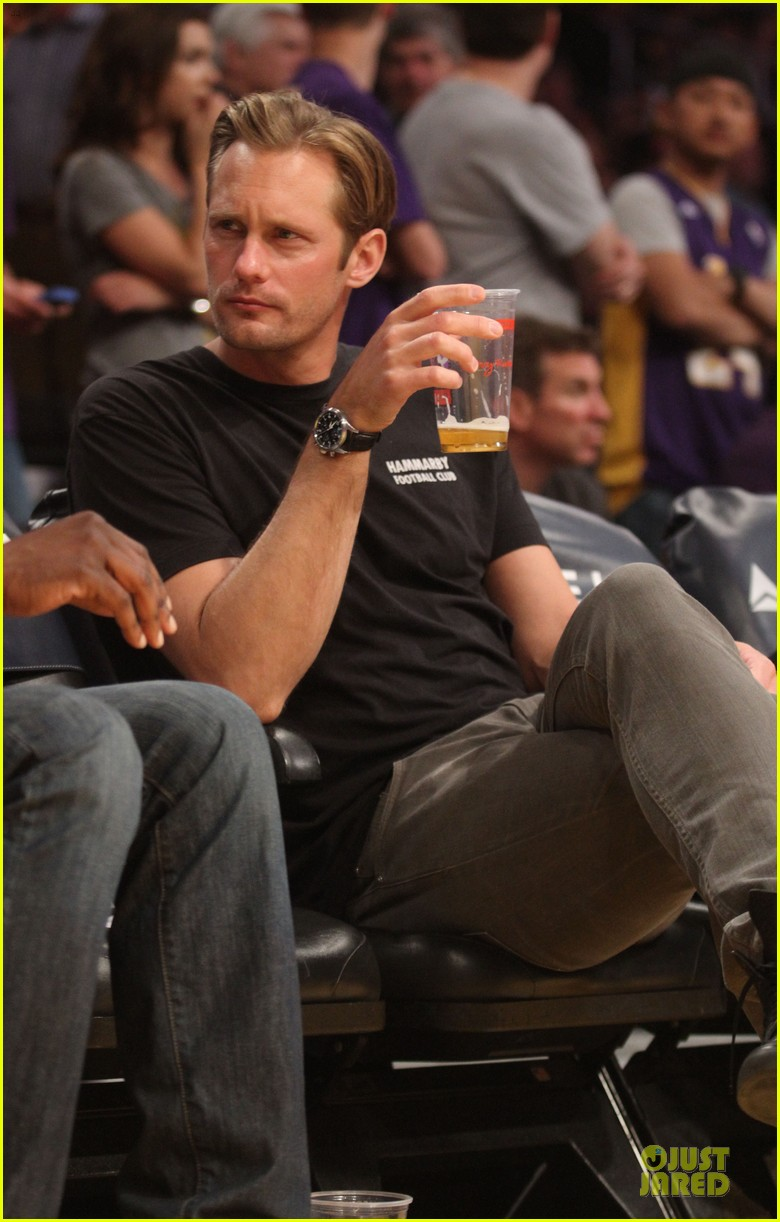 alexander skarsgard lakers game spectator 072836122