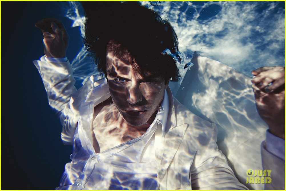 ian somerhalder lifestyle mirror shoot video exclusive 032827429