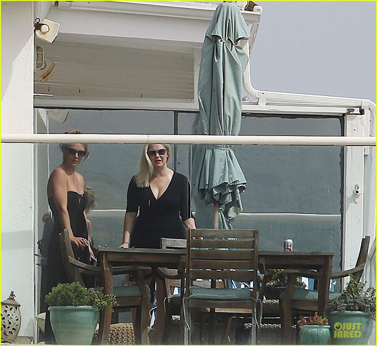 britney spears malibu visiting friend 142837935