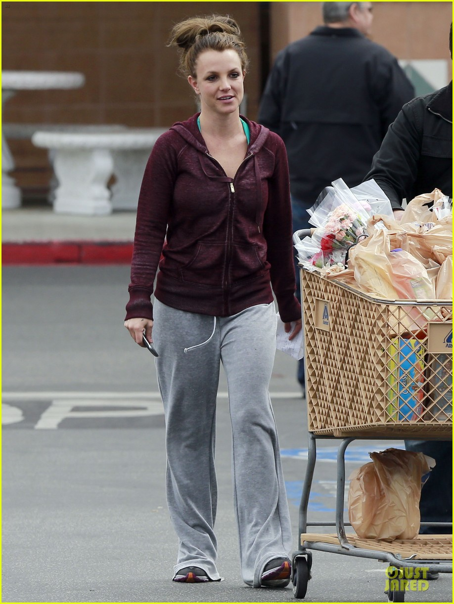 britney spears flowering grocery stop 11
