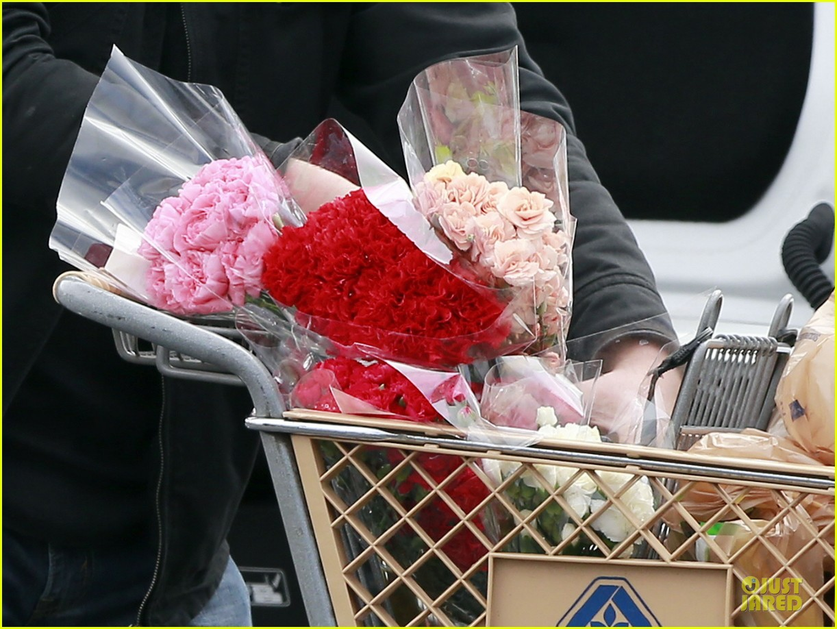britney spears flowering grocery stop 192827426