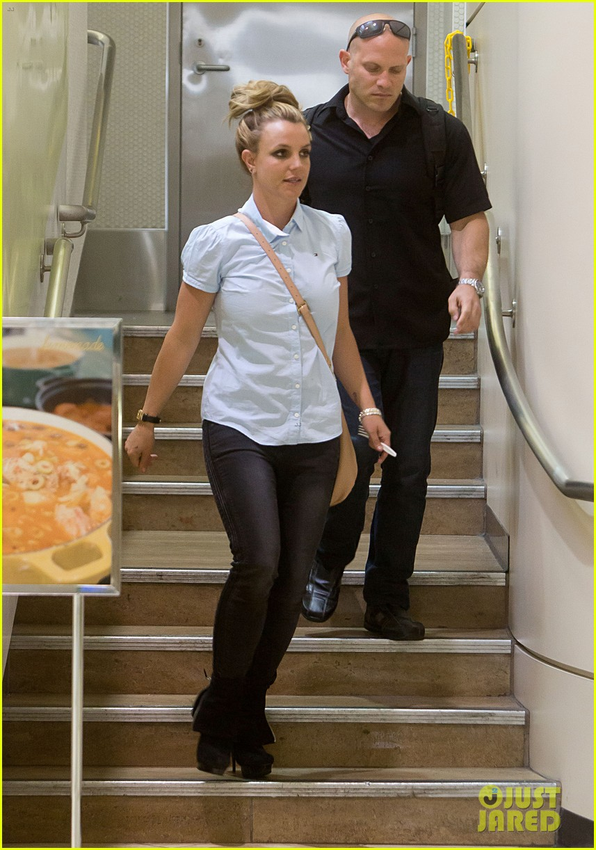 britney spears jets to new orleans with the boys 112839601