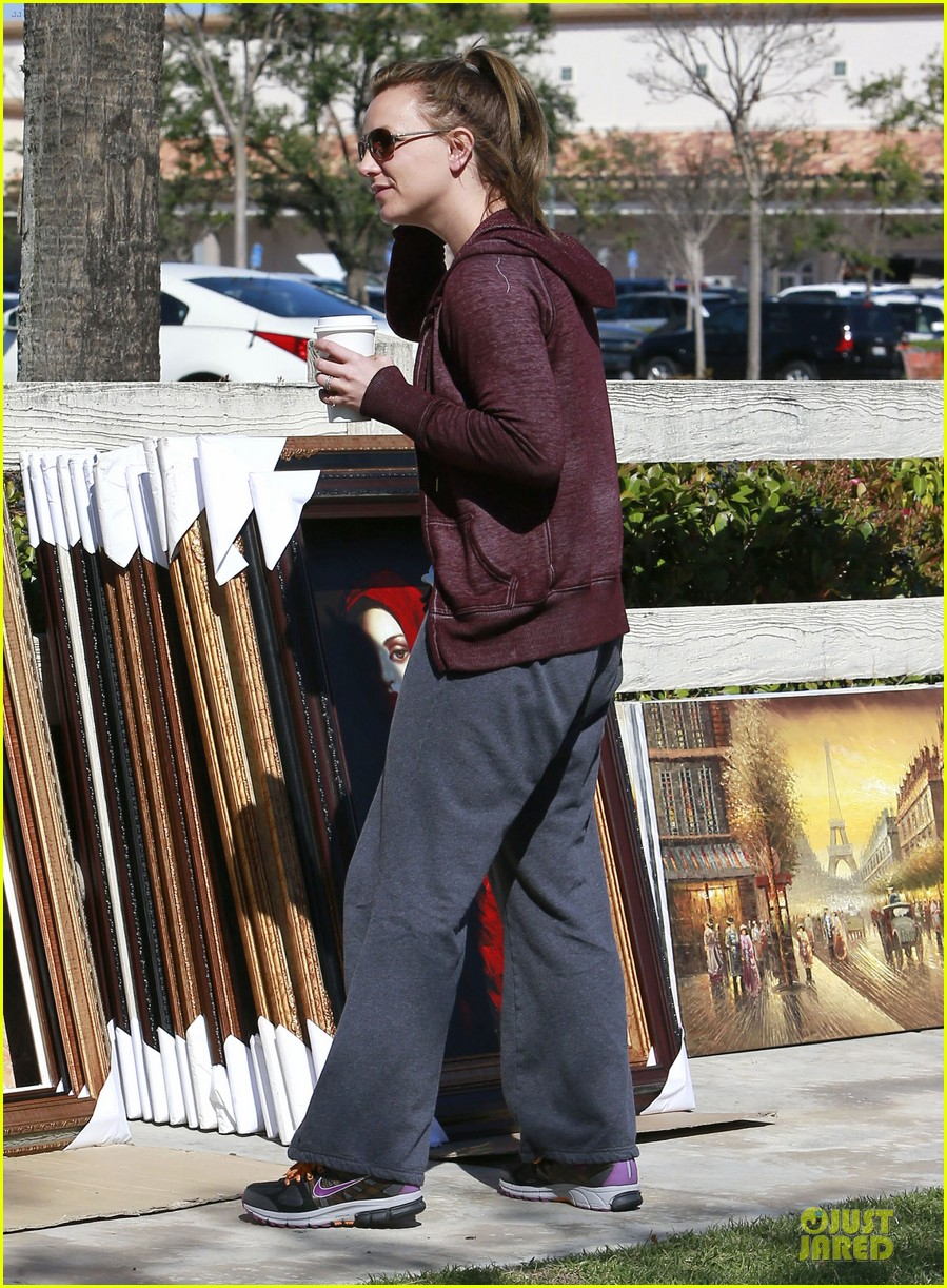 britney spears painting shopping gal 122827958