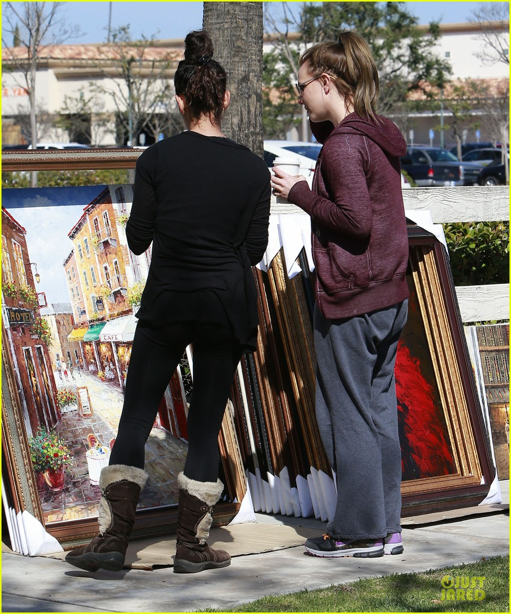 britney spears painting shopping gal 132827959