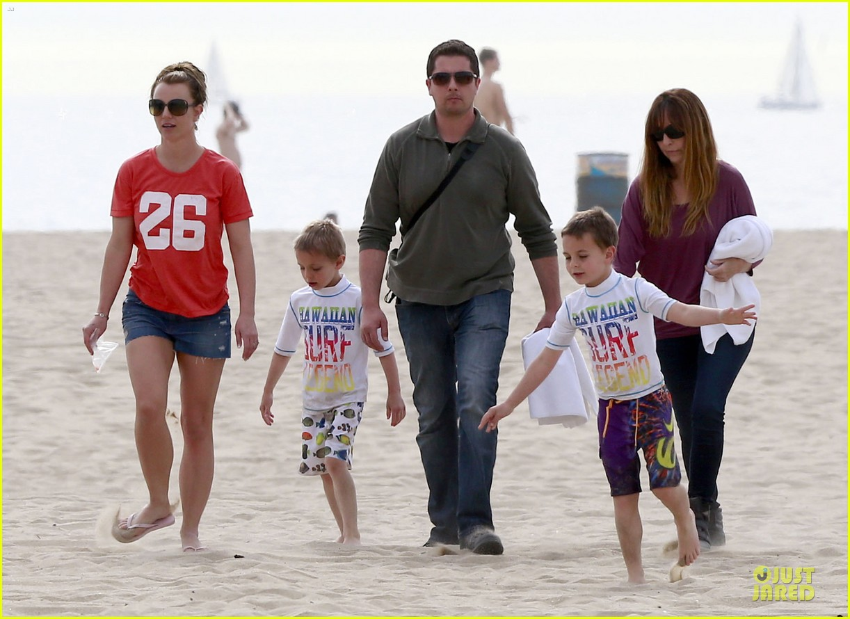 britney spears santa barbara beach day with the boys 162823896