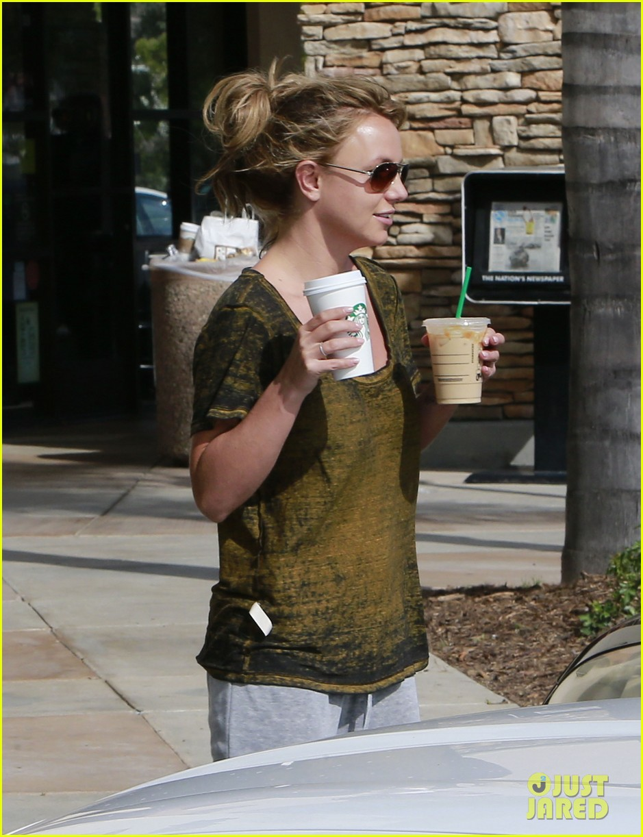 britney spears david lucado starbucks stop 04