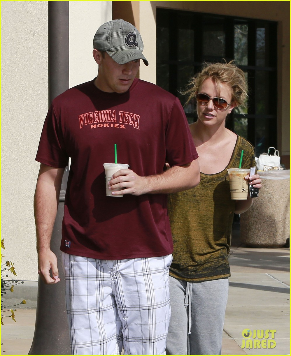 britney spears david lucado starbucks stop 07