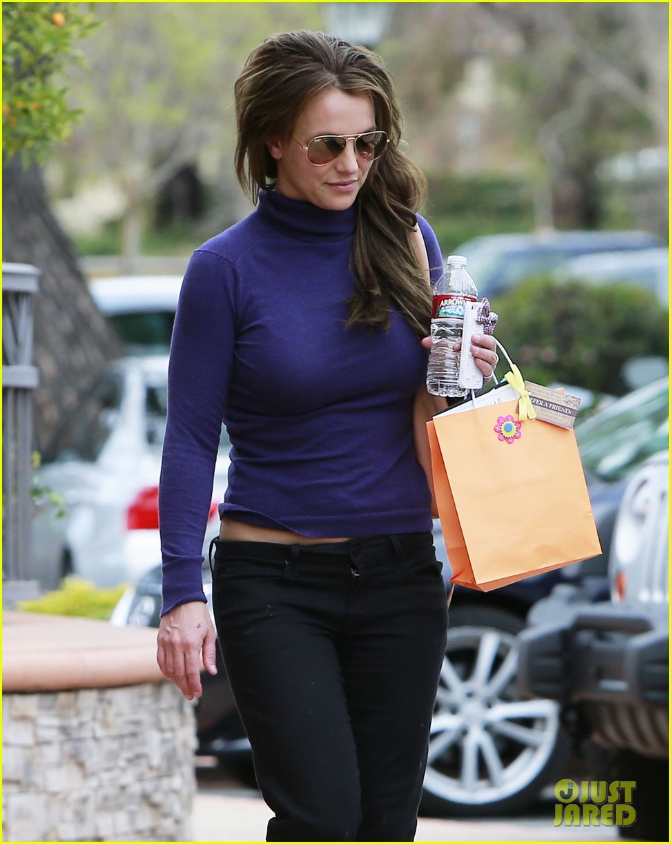 britney spears skin care salon visit 16