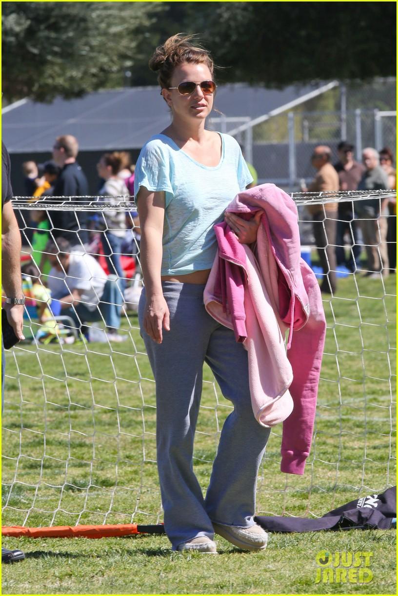 britney spears sunday soccer mom 012828468