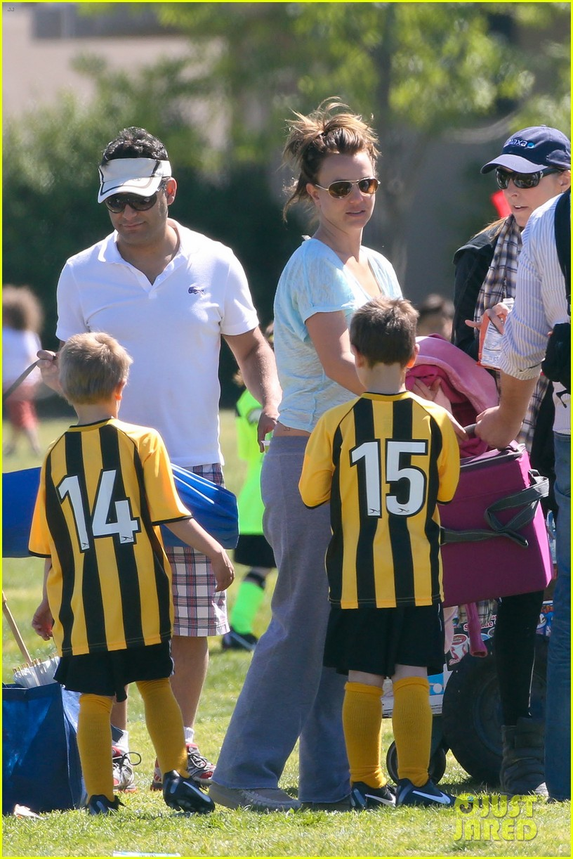 britney spears sunday soccer mom 032828470