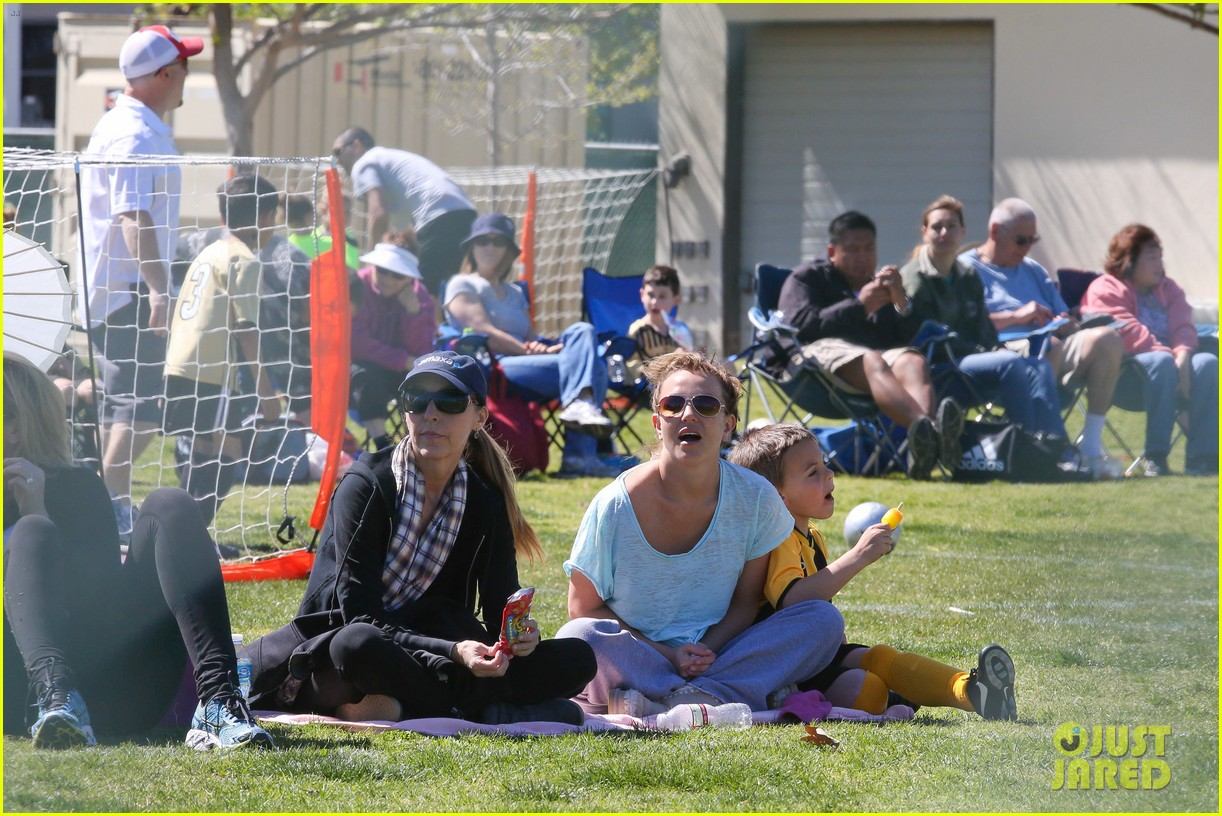 britney spears sunday soccer mom 122828479