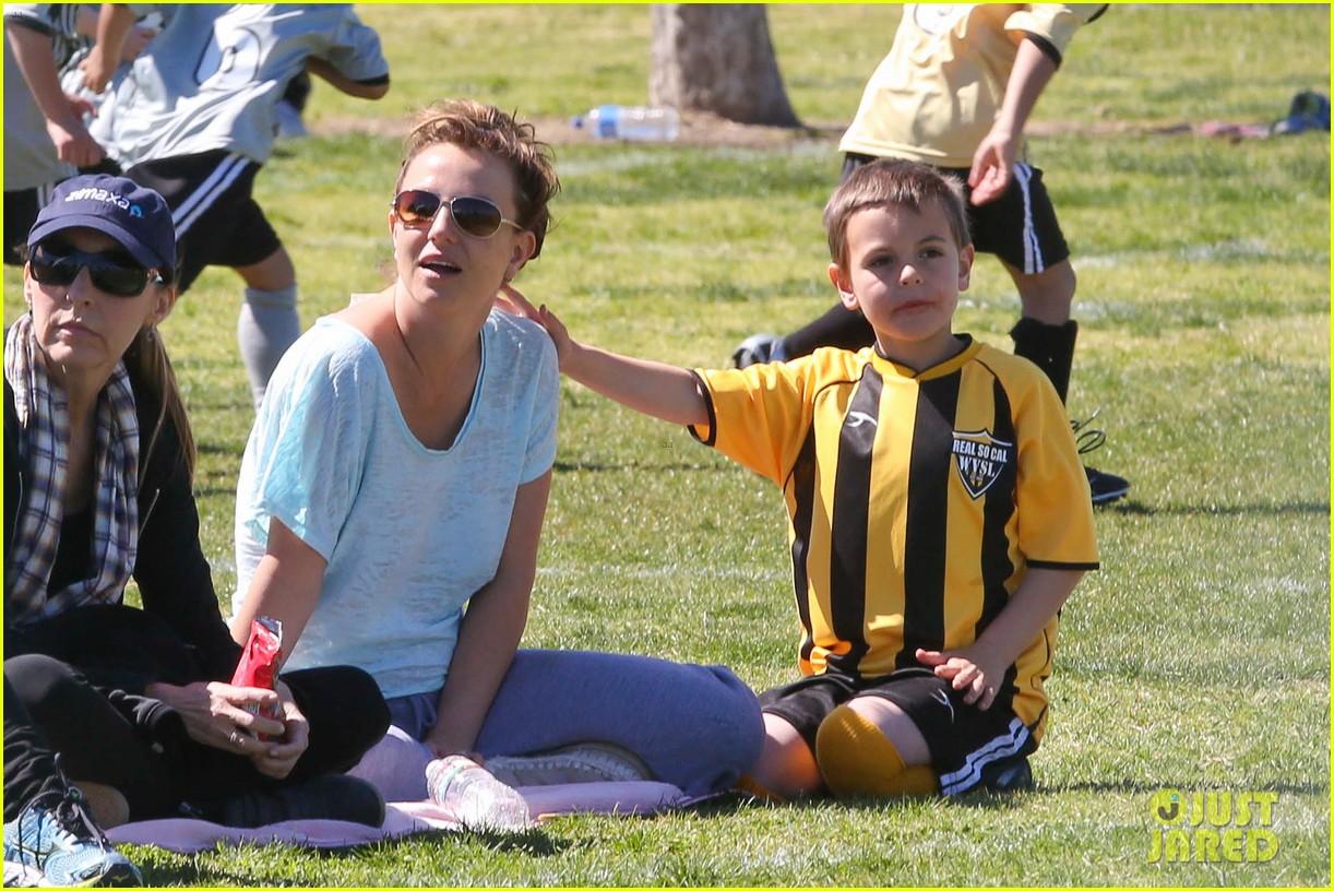 britney spears sunday soccer mom 202828487