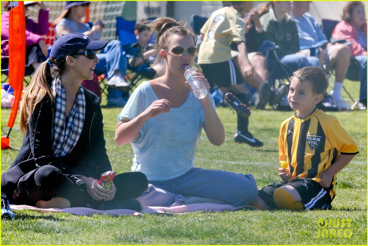 britney spears sunday soccer mom 212828488