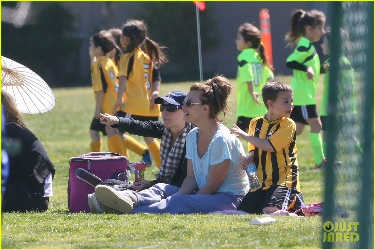 britney spears sunday soccer mom 22
